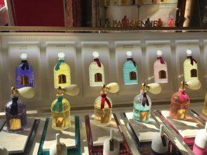 img-2023-perfume-and-paris